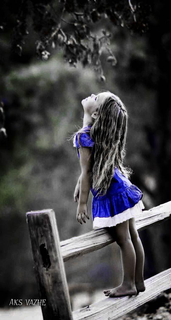 Couleur blanc touche de couleur enfant poses de filles princesses