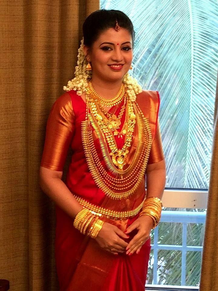 Suresh started her career with the film Pachakuthira directed by Kamal. She acted in films like November Rain, Ithu Nammude Katha, Make-up Man, Marykkundoru Kunjaadu, Doctor Love, Mayavi, Payum Puli  etc. Her last movie was Om Shanti Osana.