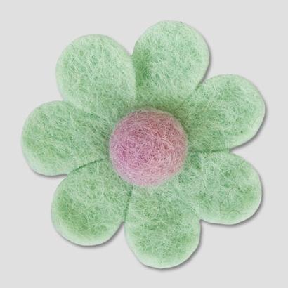 Daisy brooch with contrast centre. Handmade wool felt. 6cm Diameter