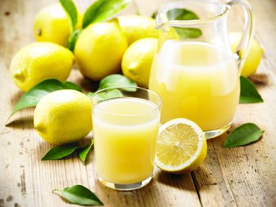 Die Zitronensaftkur – eine der einfachsten und wirksamsten Entgiftungsmethoden