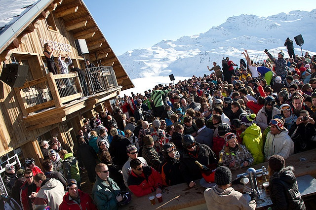 Folie Douce in Val Thorens! Best party in the world as the sun goes down <3