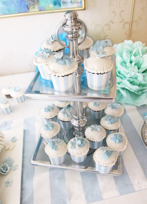 barnedåp gutt cupcakes - Google Search