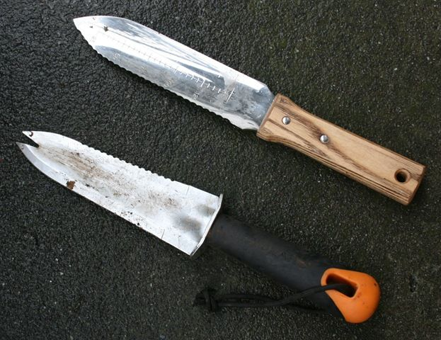 GT Hori-Hori Stainless Steel Soil Knife: Hori Hori Knives, Gardens Ideas, Garden Ideas, Gardens Tools, Swede Cottages, Cottages Farms, Favorite Hands, Hands Tools, Soil Knives