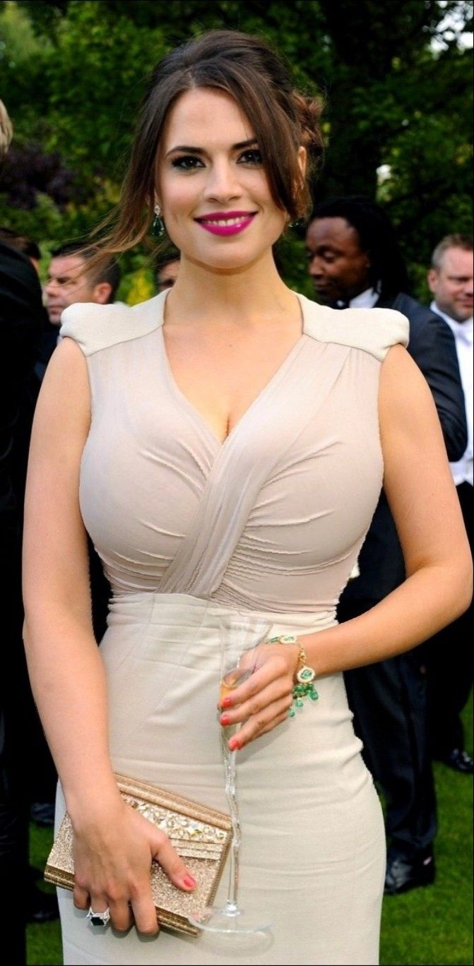 picture Hayley Atwell (born 1982 (dual British and American citizenship)