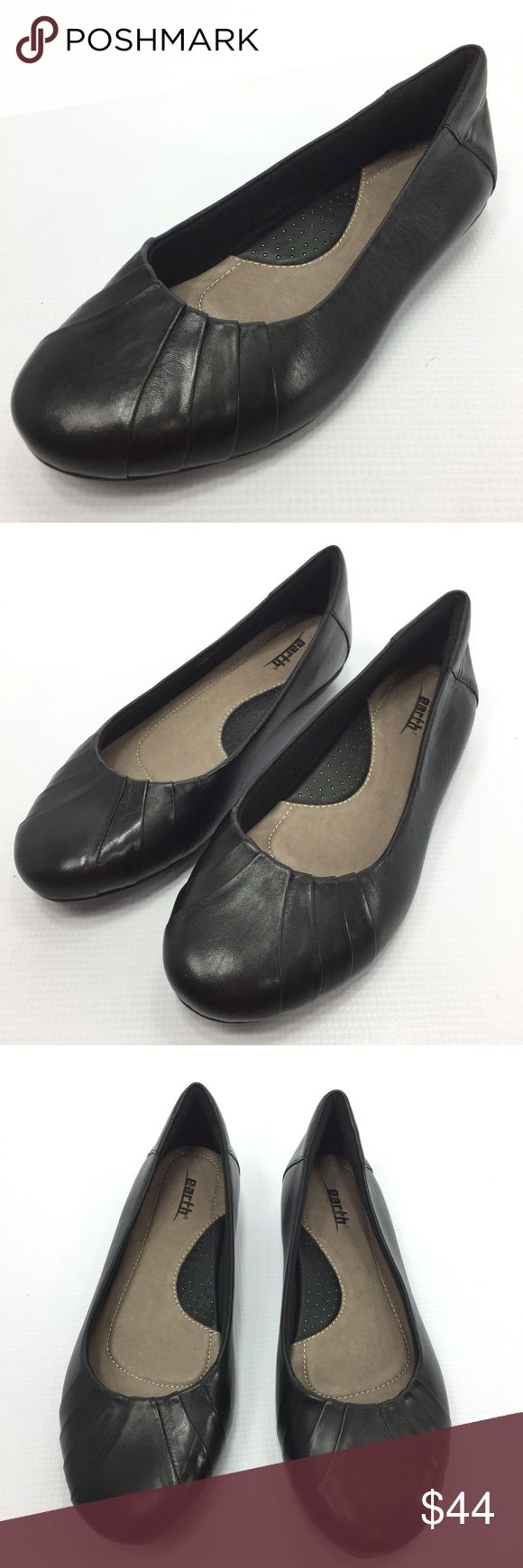 EARTH Bellwether Solid Black Leather Flats 7.5 NEW EARTH Bellwether Women's Solid Black Leather Ballet Flats 7.5M New   Flaw Free; See Photos for Details  The item will be shipped either the same or next day  Send me a message if you have any questions Earth Shoes Flats & Loafers