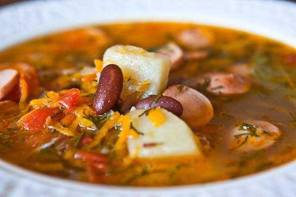 Вкусный суп из красной фасоли с сосисками как приготовить с фото