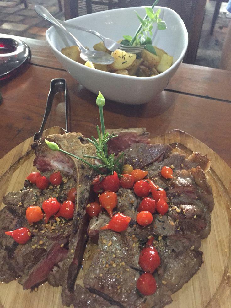 Bisteca Fiorentina com toque da cozinha brasileira!  Grand Cru Moema 06.6.2015