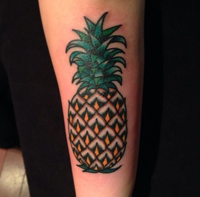 17 best images about pineapple tattoos on pinterest pineapple design tattoo artists and tat. Black Bedroom Furniture Sets. Home Design Ideas