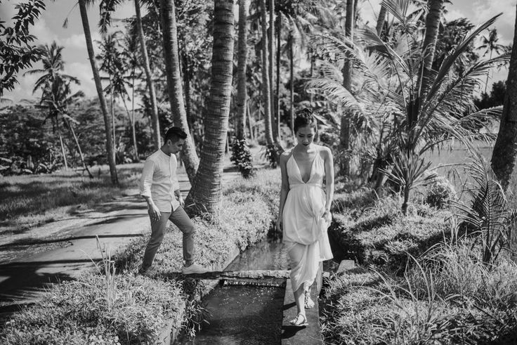 #waterfall #engagement #couplesession #Bali #Terralogical #intimate #weddinginspiration
