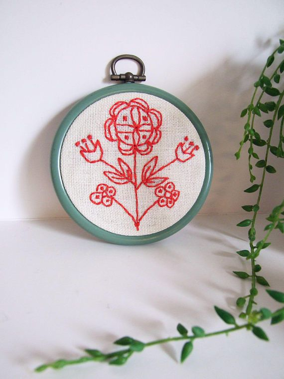 Swedish Folk Art Embroidery // Handmade hoop embroidery by