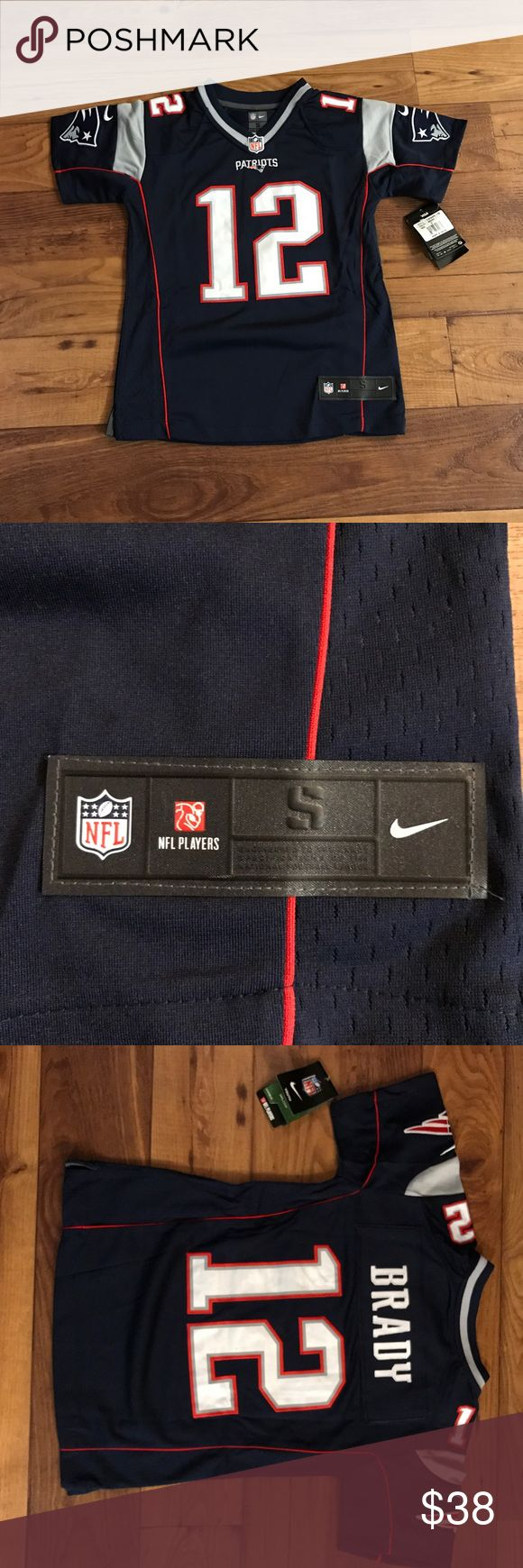 Kids Tom Brady Jersey Kids Tom Brady jersey. 100% authentic GUARANTEED!! Small flaw on back letter pictured. Dirt/dust may come out with wash. New with tags! Nike Other