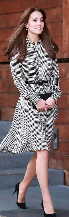 Kate Middleton: Dress – Ralph Lauren  Shoes – Stuart Weitzman