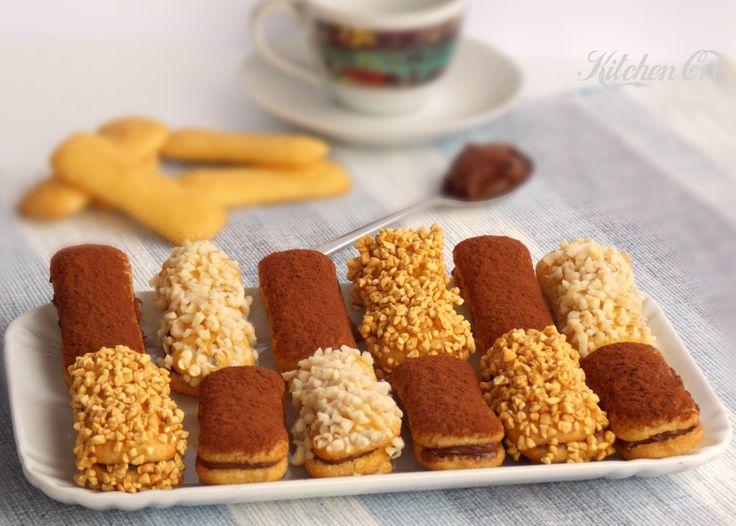 pavesini ripieni di nutella Pavesini ripieni di nutella, ricetta 5 minuti