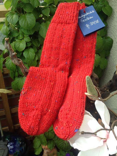 Socken - Kuschlige Socken in leuchtendem Rot (Gr. 37/38) - ein Designerstück von maschenhaft-ideen bei DaWanda
