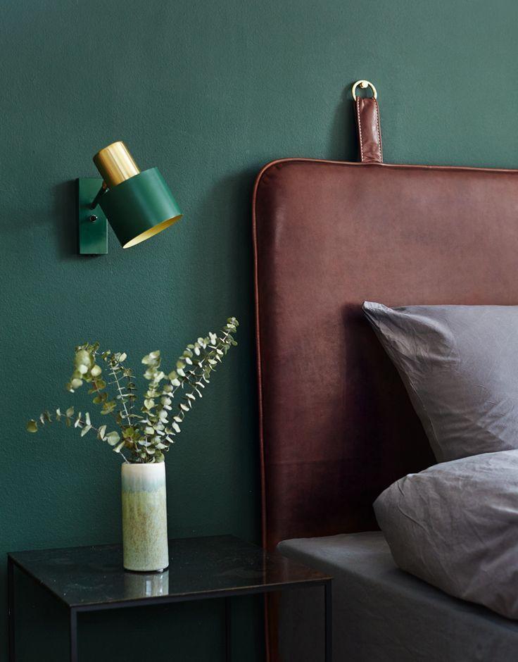 THE M HEADBOARD - Coffee aniline leather - brass hangers