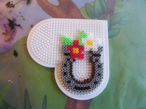 Horse shoe hama perler by Randi Frederiksen