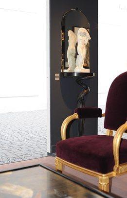 Notre stand comme un intérieur de collectionneur à la #BiennaleDesAntiquaires 2012 avec #Ruhlmann #Dunand #Printz #Rateau #Giacometti  Our booth like a collector interior at the #BiennaleDesAntiquaires 2012 with #Ruhlmann #Dunand #Printz #Rateau #Giacometti