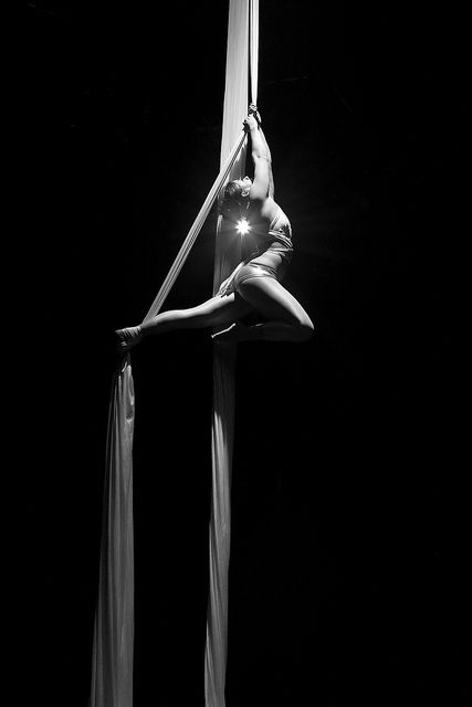 aerial silks: this is magical- I need to learn how to do this