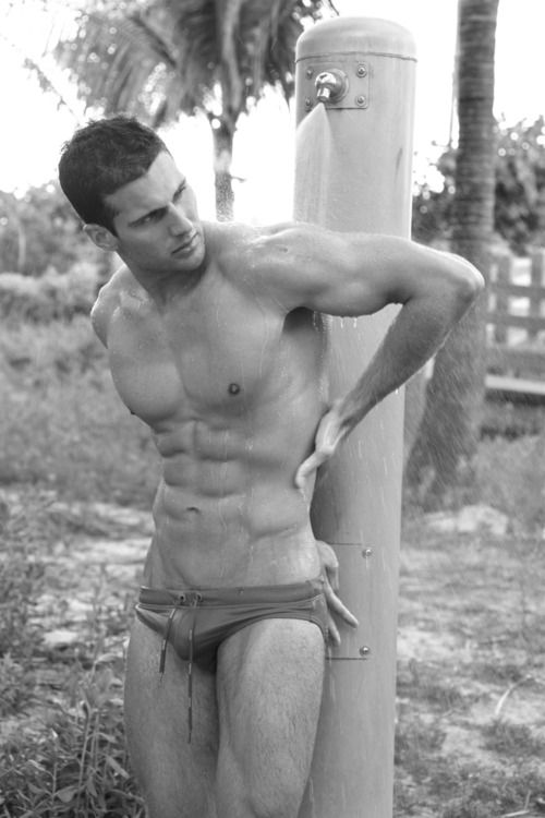 Outdoor hot twink bareback