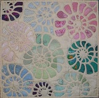 Beautiful nautilus quilt.: Quilts Inspiration, Mosaics Styles, Mosaics Design, Google Search, Beauty Nautilus, Mosaics Nautilus, Nautilus Quilts, Styles Nautilus, Art Quilts