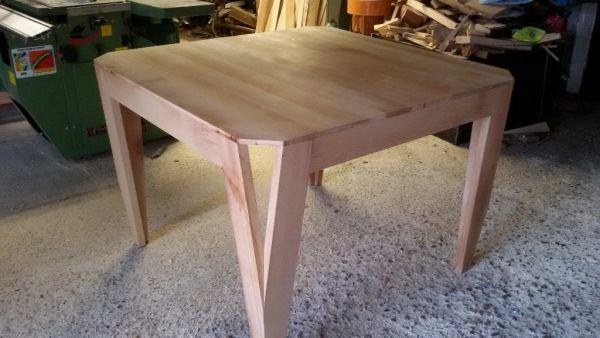 Table salon hetre par step - bonjour a tous  je post aujourd'hui mon dernier projet qui est une table de salon avec comme particularité des pied se séparent au niveau du plateau le design est tire du web