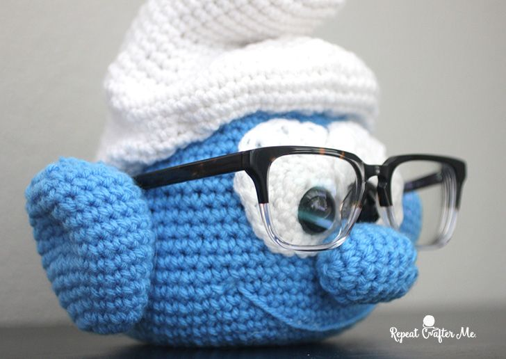 One of the latest crochet trends are muppet eye glass holders. If you don't know what I'm talking about you need to check out Bert, Ernie, Animal, Grover and the whole crew!  My oldest son wears prescription glasses and so does my husband so I couldn't resist coming up with my own version: a Crochet Brainy …