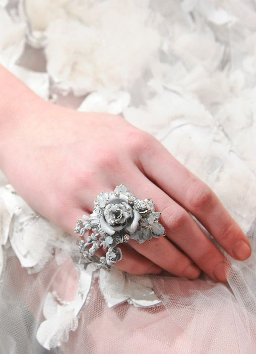...: Big Rings, White Flowers, Luxury Fashion, Design Clothing, Fashion Design, Beautiful Rings, Statement Jewelry, Rose Rings, Flowers Rings