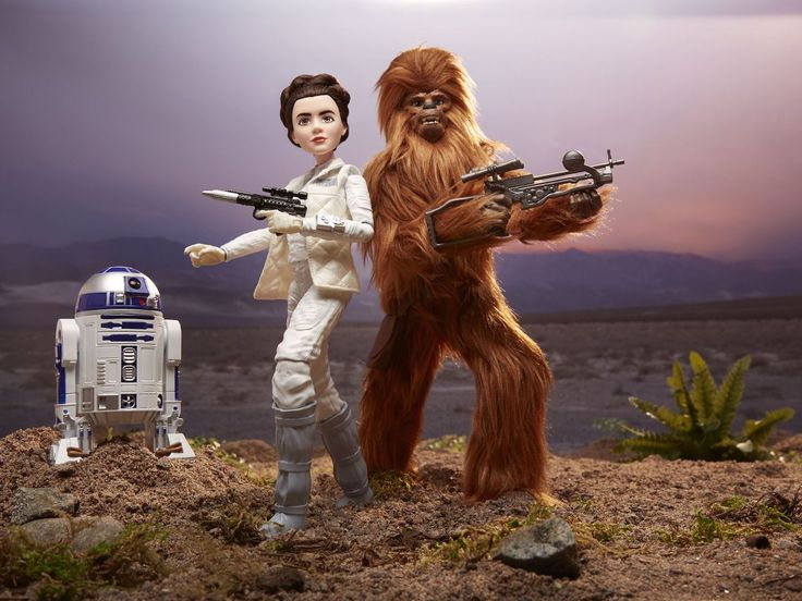 I love the new Star Wars Forces of Destiny toys of female characters & a WEIRD looking Chewbacca!
