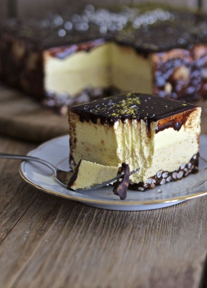 Torta mousse nocciola, vaniglia e cioccolatohttp://pin.it/Y9up3jI