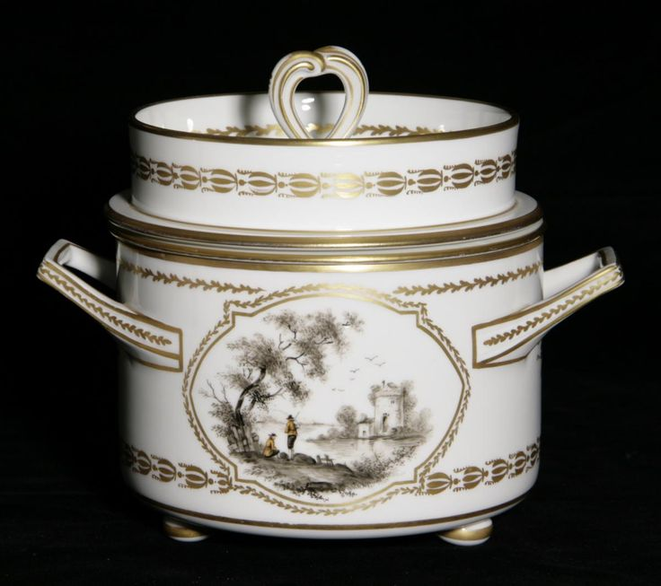 Rare and very original Ice cream maker, 19th Century. Sèvres Porcelain with a delicate champètre decor and gilt edging. For sale on Proantic by Olivier Camus Antiquités.