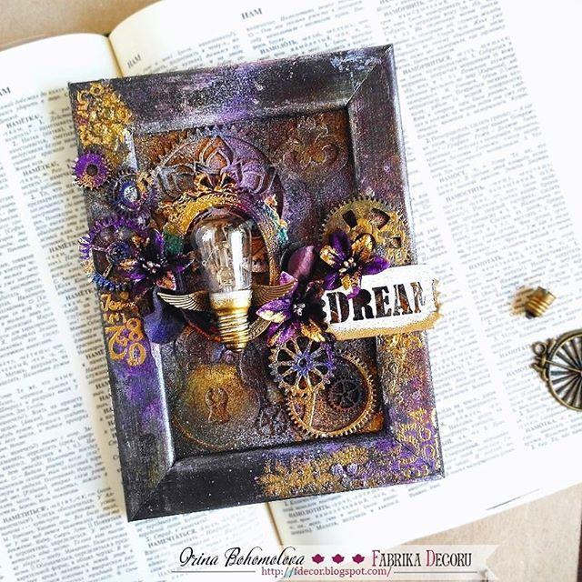 В блоге @fabrikadecoru уже можно почитать как, из чего и зачем я сотворила это миксмедийное панно. Лампочку отдельно я вам уже показывала 😋  #fabrikadecoru #фабрикадекору #миксмедиа #пудра #эмбоссинг #скрапбукинг #бумажкинырадости #хобби #scrapbooking #papercraft #creative #handmade #mywork #steampunk #inspiration #like #instalike #followme #dream #мояработа #моймир #соседские_цветочки