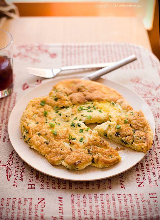 Omlet ze szczypiorkiem – White Plate