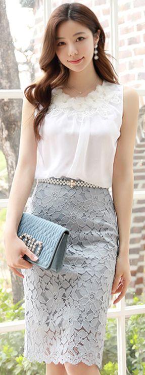 StyleOnme_Scallop Hem Floral Lace H-Line Skirt #blue #floral #lace #pencilskirt #feminine #koreanfashion #kstyle #kfashion #springtrend #dailylook