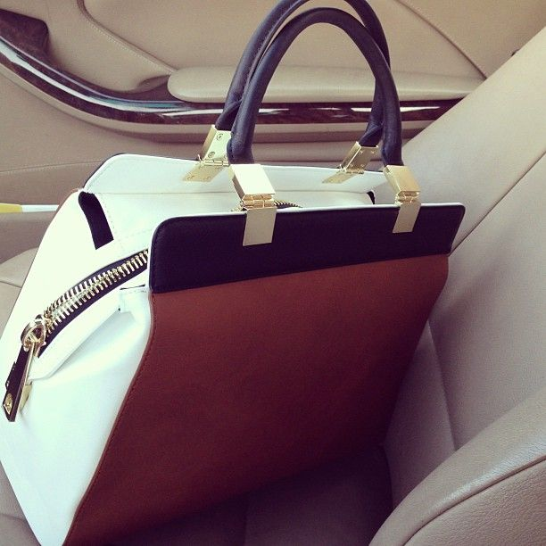 zara hand bag. I just purchased this pretty thing today. I can't wait to wear it to work