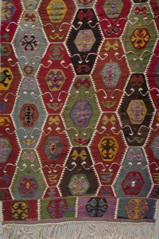 Kilim (detail), 1900s, Turkey, wool, slit tapestry, the Collection of the Jedel Family Foundation (the image was provided to the Turkish Cultural Foundation by Spencer Museum of Art, University of Kansas)