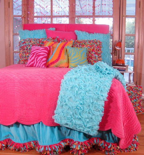 Love all these pillows-my girl would love this