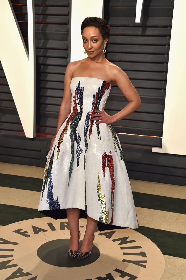 Ruth Negga in Oscar de la Renta and Gemfields X Verdura jewelry, Vanity Fair Oscar Party 2017