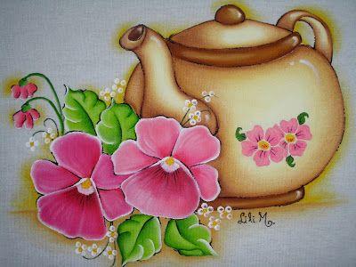 Bule com flores rosas, pintura em tecido
