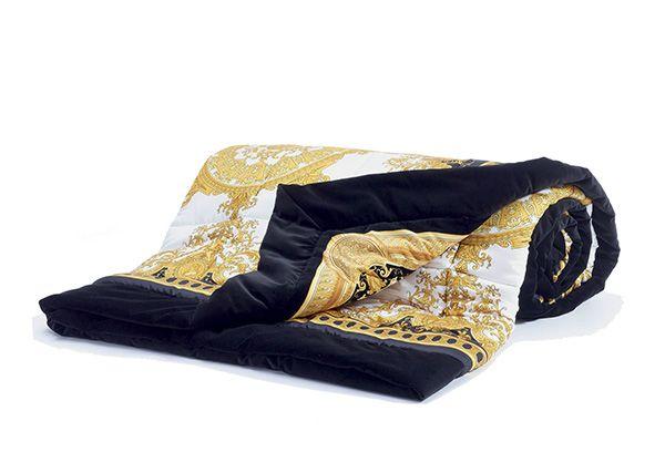LE DOME BAROQUE quilt - Versace Home Collection - Trapunta in cotone stampato Dimensioni: 300x300 cm Colori: BIANCO ORO CON CORNICE NERA ZTPYCSVZ14207Z0001