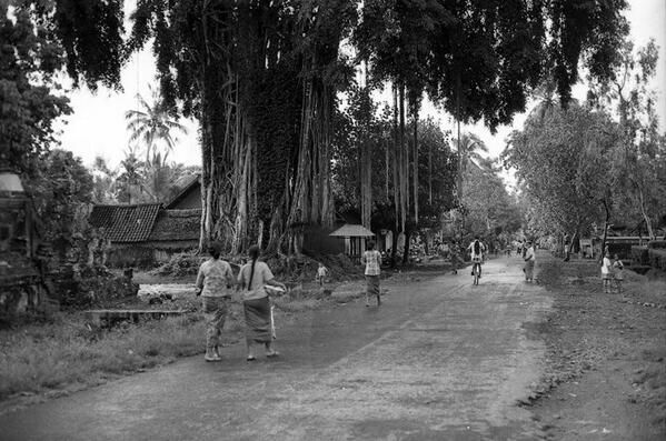 This is the main crossroad of Peliatan, Ubud, Bali, in 1973, courtesy of Lenny Pitt.