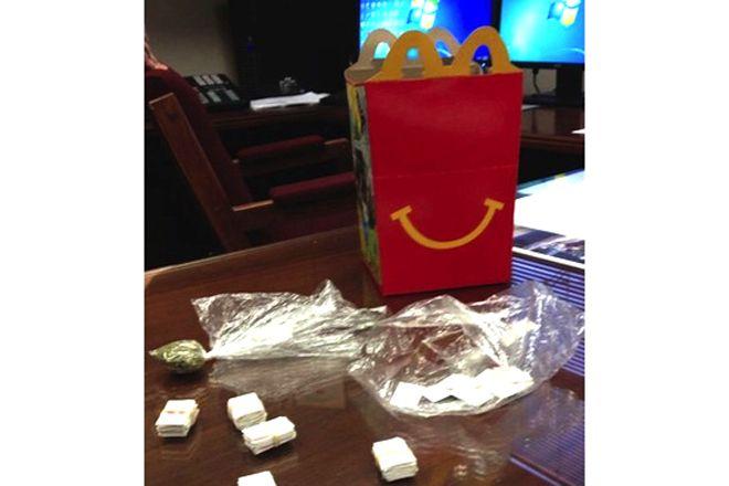 Brinquedo do McLanche Feliz era heroína – funcionava assim em franquia dos EUA http://www.bluebus.com.br/brinquedo-mclanche-feliz-era-heroina-funcionava-assim-em-franquia-dos-eua/