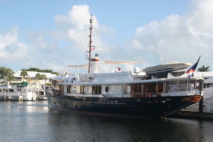 Vintage Weekend at Ocean Reef Club in Key Largo this December was a celebration of classic yachts, cars and aircraft.