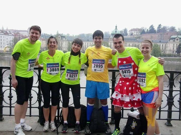 El club de corredores del Cervantes, preparados para la Media Maratón de Praga :)