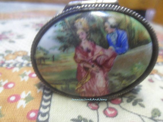 Ladies Hand Held Compact Ashtray  Pocket Ashtray  Found by TinTack, €30.00