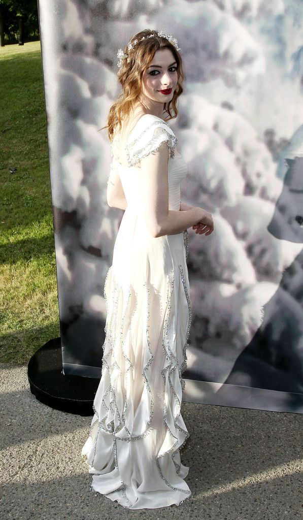 Anne Hathaway at The White Fairy Tale Love Ball in Crespieres, France, July 6th 2011: Ball, Fashion, White Fairies, France, Blog, White Witch, Fairies Tales, Anne Hathaway, The Roller Coasters