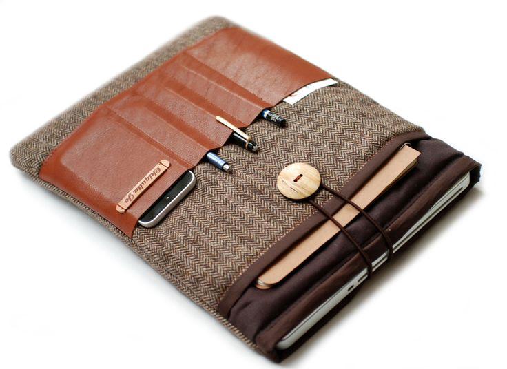 """Notebooktasche 13"""" mit Leder und 4x Fächer! Braun von Chiquita Jo ♥ Handgemacht und Individualisierbar! auf DaWanda.com"""