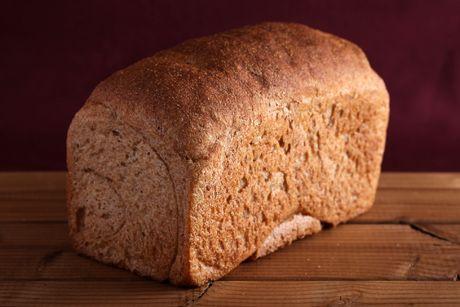 国産小麦・天然酵母のぐーちょきパンやです。国産小麦・天然酵母や卵と牛乳未使用にこだわったきっかけは娘のアレルギーでした。娘が安心して食べられるパン作りをひたすら目指し毎日パンを作っています!