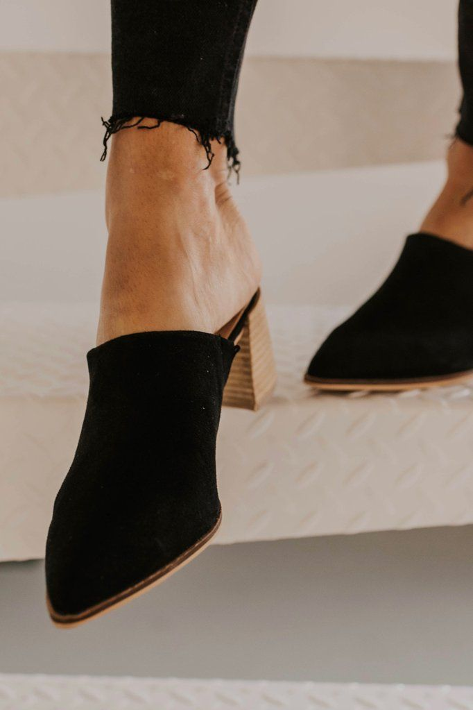 65a007040 Stephanie Pointed Mule in 2019 | my style :: | Black mules shoes ...