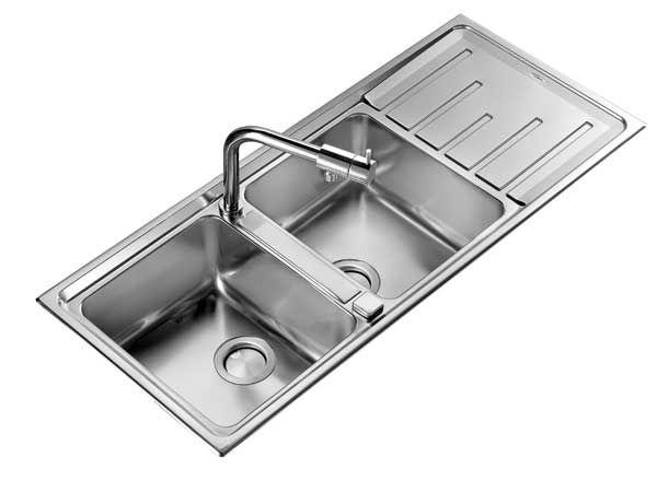 Veri gioielli in acciaio, i lavelli C.M. sono adatti a qualsiasi cucina!  C.M. infatti interpreta lo stile italiano, trasferendolo nella lavorazione di qualità, con proposte curate nel minimo dettaglio e design moderno.  http://www.arredamento.it/professional/elettrodomestici/lavelli/lavelli-e-piani-speciali-in-acciaio-inox-by-cm.html #consiglicucina #lavelli #cucina