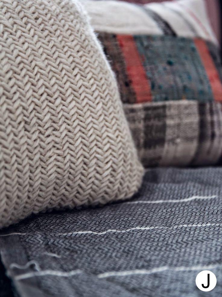 Herringbone stitch Kalanruotoneulos  kuva- ja videotutoriaalit blogissa -> http://diyjenny.blogspot.fi/2015/04/muhkea-kalanruoto.html